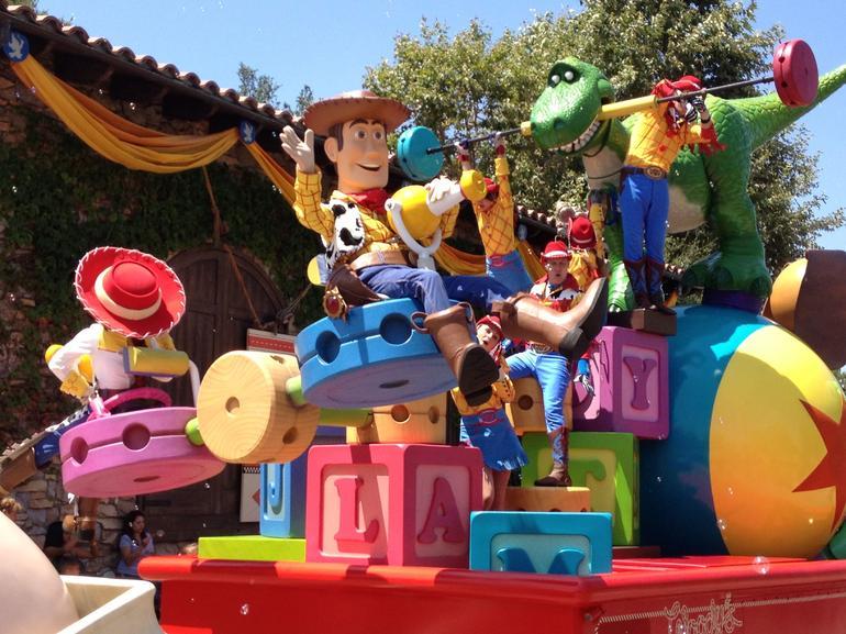 Pixar Play Parade - Anaheim & Buena Park