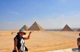 Khia and the three pyramids of Giza, Genesis A - May 2010