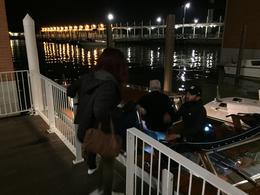 la famille qui embarque de nuit , Serge R - May 2017