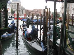 Loading up the Gondolas in the rain., Diane G - October 2010