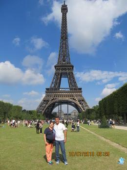 Passeando na Torre Eiffel , Enio B - August 2013