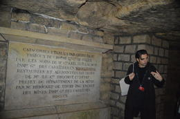 Our guide at the entrance to the part of the tomb with the most bones , vabandit - December 2016