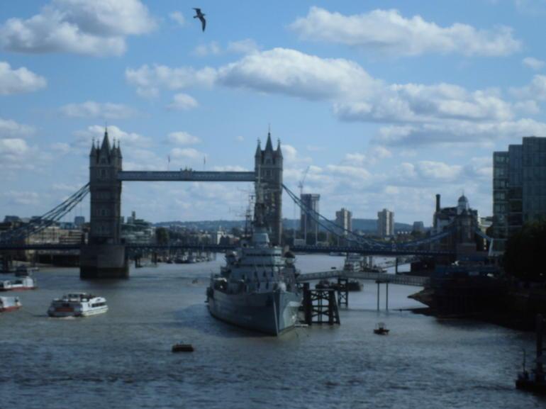 2602 - London