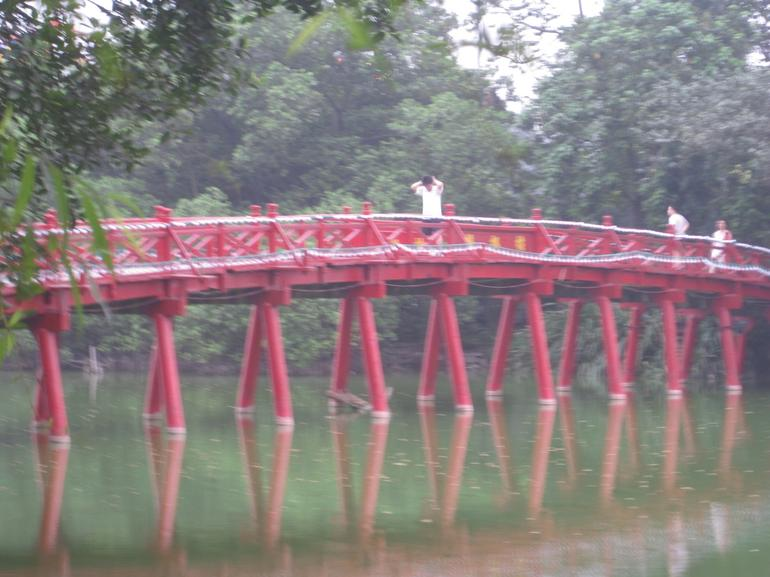 Bridge over Hoan Kiem Lake - Hanoi