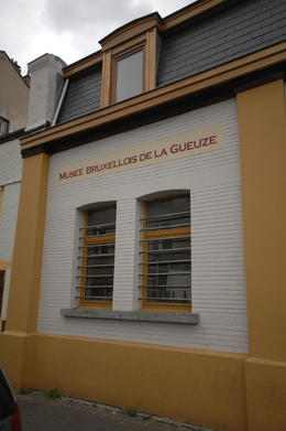 Outside the Musee Bruxellois de la Gueuze, Sasha Heseltine - May 2014