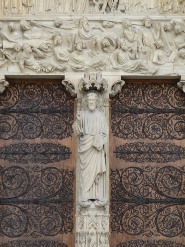 Notre Dame front facade -