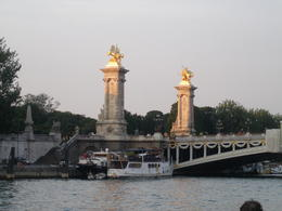 Beautiful sites to see on the Seine. , Linda B - August 2013
