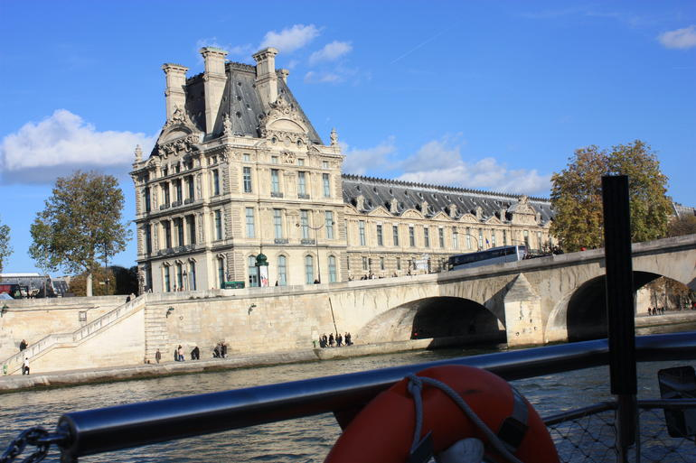 Seine River Cruise: Sightseeing with Optional Aperitif or Snack - Paris