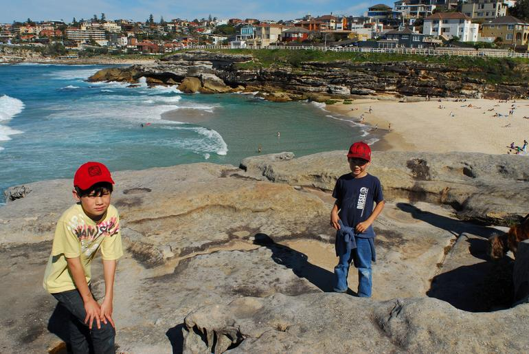 Ocean walk from Bondi to Congee: Exploring the cliffs -