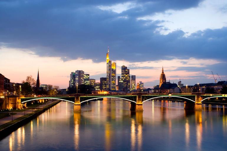 Frankfurt Skyline - Frankfurt