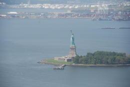 Volando sobre Liberty Island , Josep F - October 2014