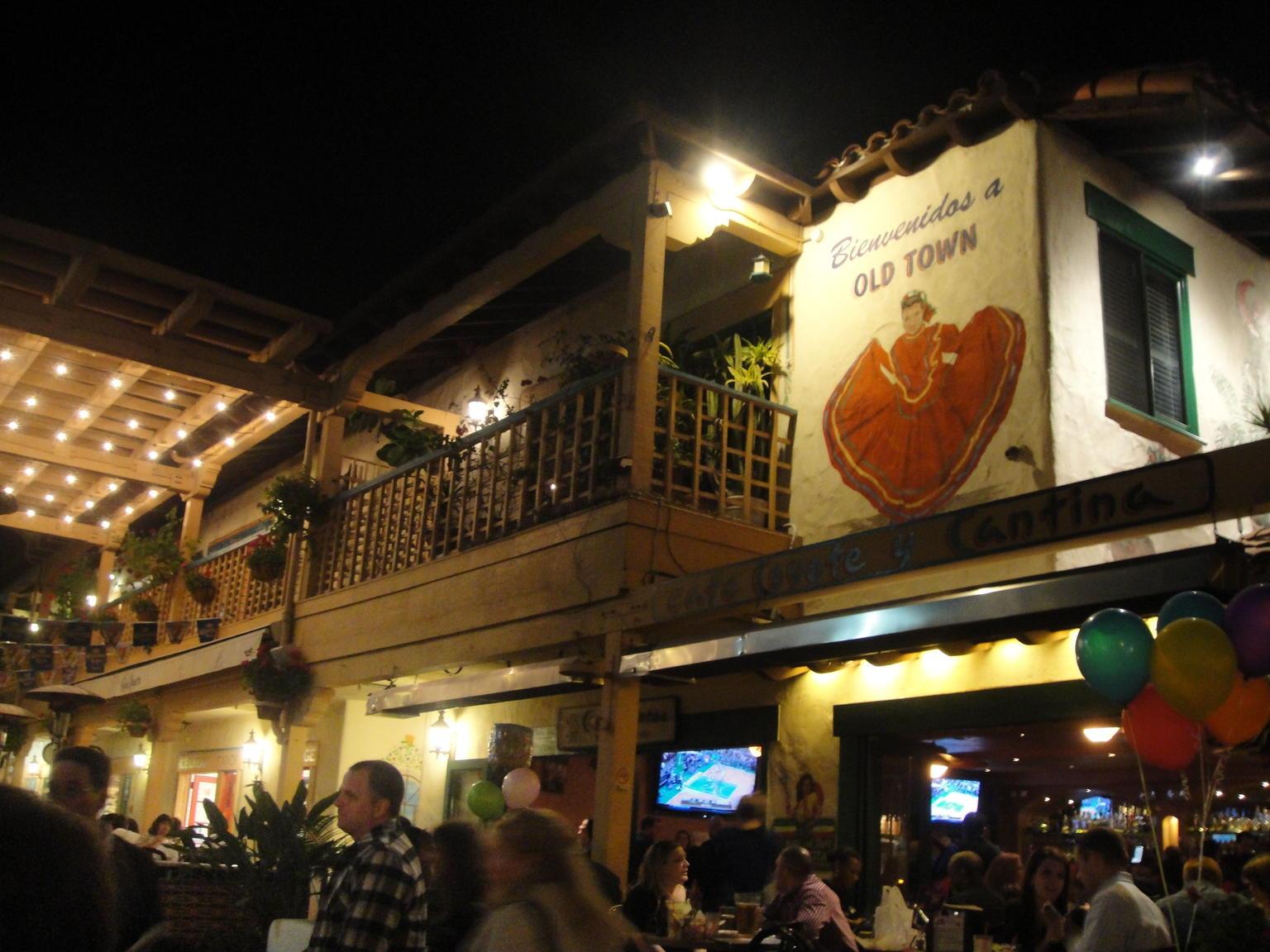 MÁS FOTOS, Excursión culinaria Tequila, tacos y lápidas