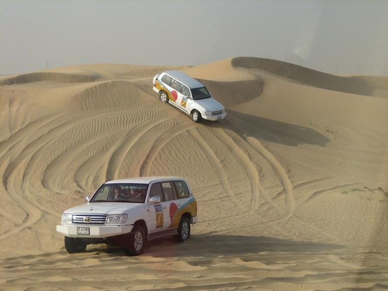 Having fun on the 4x4 Safari - Dubai