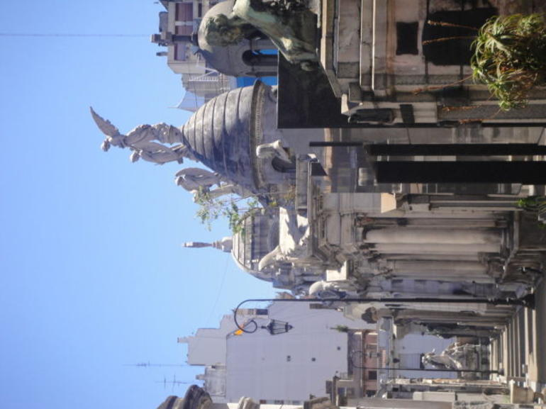 Recoleta Six-or-less-people Afternoon Walking Tour photo 14