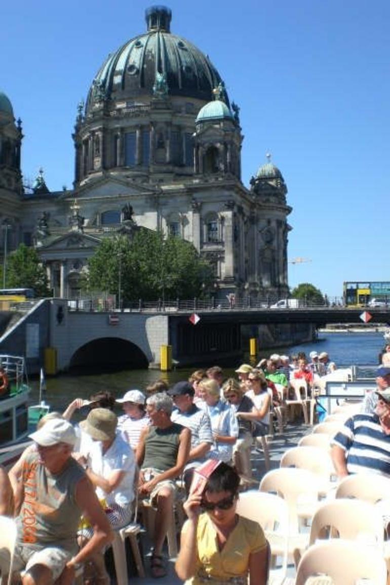 River Boat Tour - Berlin