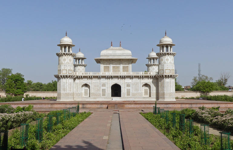 Delhi to Agra and Taj Mahal Private Day Trip by Express Train with Lunch photo 49