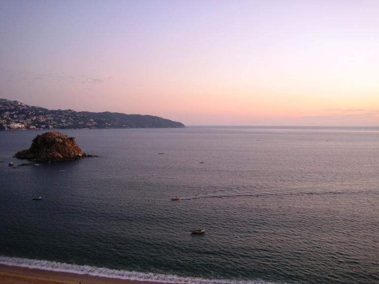 Acapulco bay sunset - Acapulco