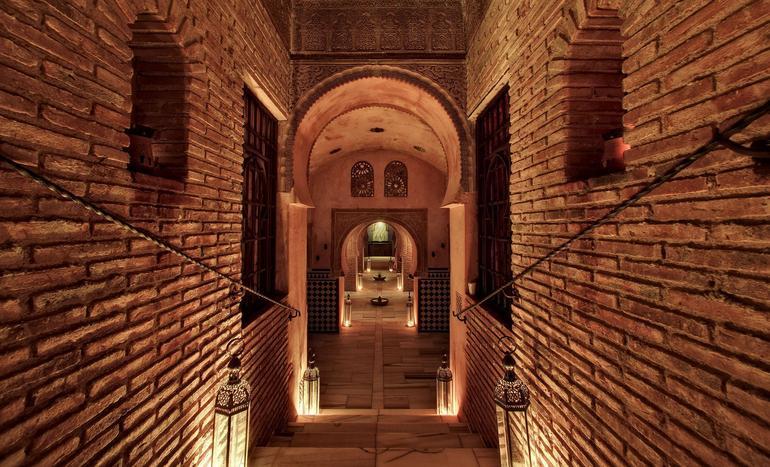 Alhambra Tour and Granada Hammam - Granada