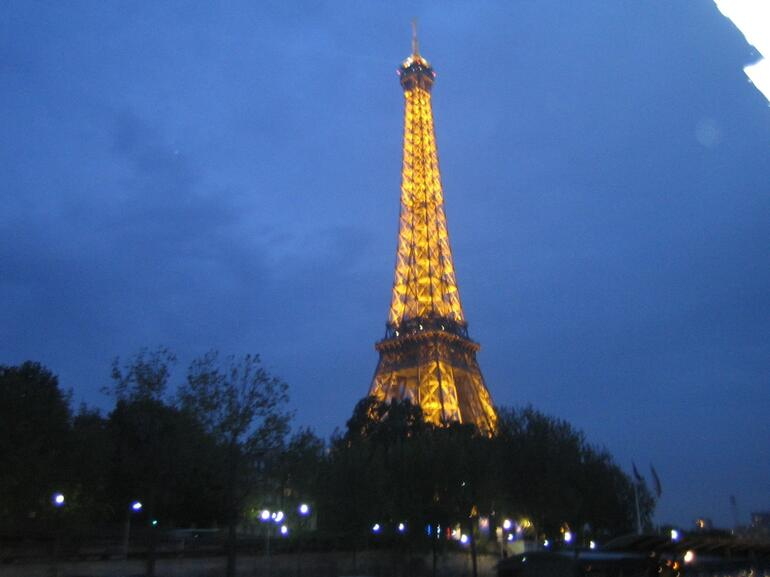 All lit up - Paris