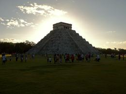 Chichen Itza in January, about a half hour before park closure. , jk87 - December 2011