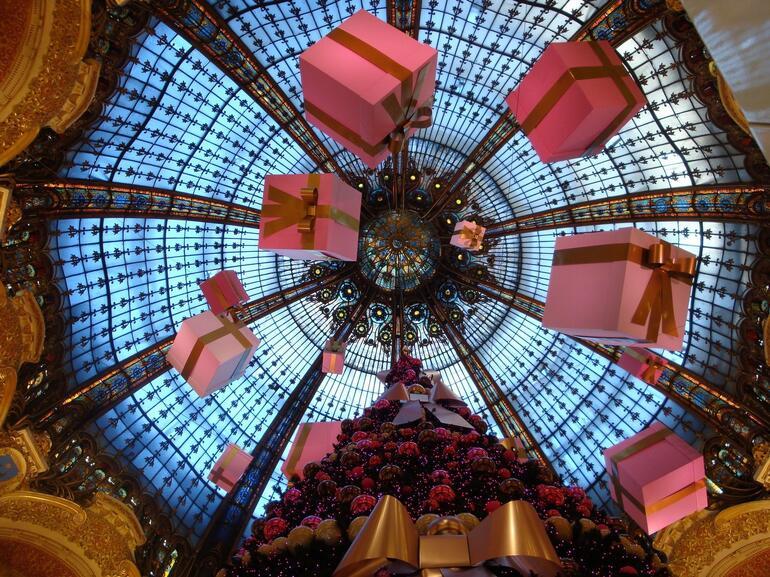 Christmas Magic - Paris