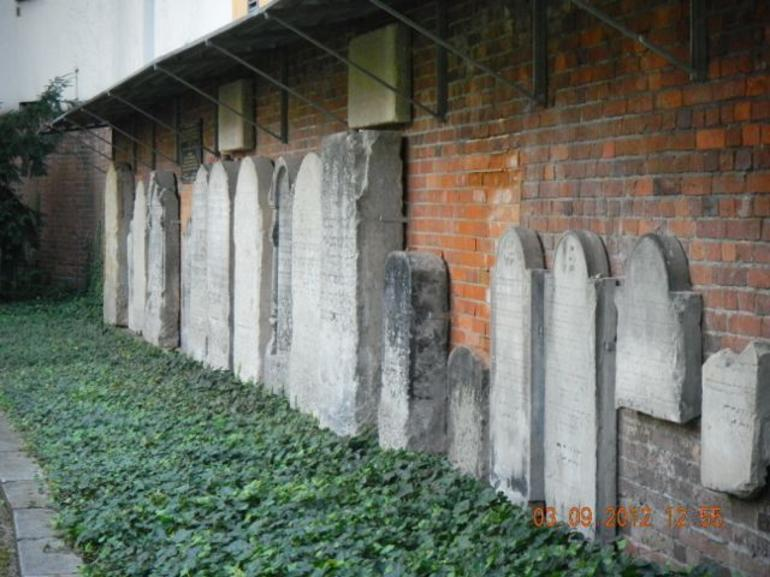 The distroyed Berlin Jewish Cemetery - Berlin