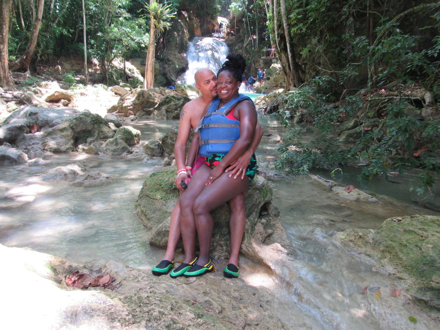 MAIS FOTOS, Viagem diurna pelo Buraco Azul e pelas Cachoeiras Secretas, além de compras na Baía de Montego e em Grand Palladium