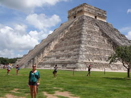 Learning about the Mayan culture. , Livia Carlotto - October 2013
