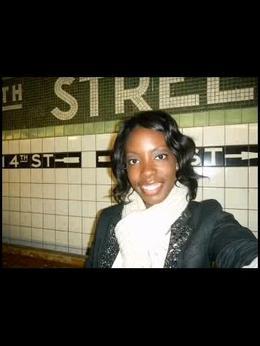 Waiting for the Subway @ 4th Station , Demisha N. W - May 2011