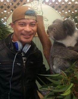 Esekia posing with a Koala Bear , Keith K - September 2014