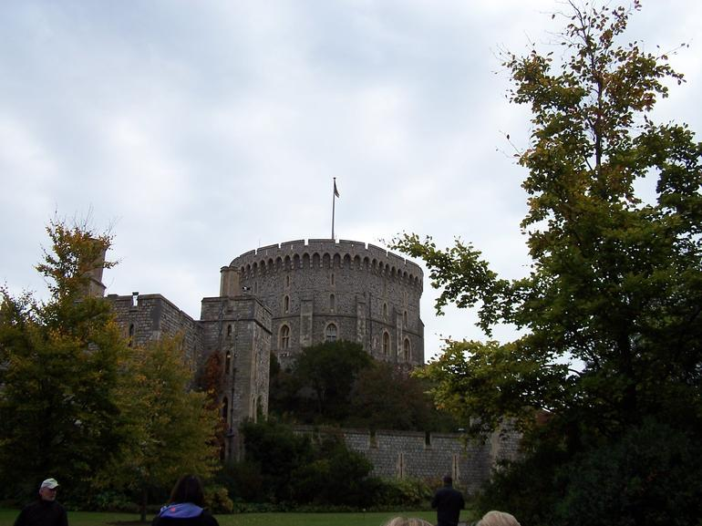 Windsor Castle-Queen's flag - London