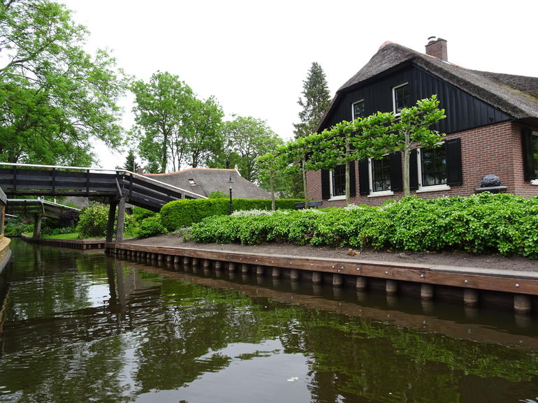 Giethoorn & Enclosing Dike Full-Day Tour from Amsterdam photo 19