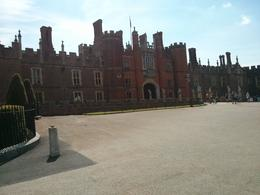 Nice palace Henry VIII, but such trouble with the ladies. , thepea - July 2014
