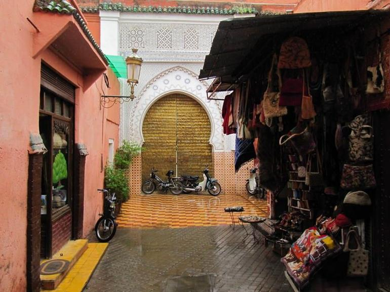 Souk, stall and mosque - Marrakech
