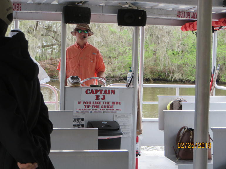 Swamp and Bayou Sightseeing Tour with Boat Ride from New Orleans