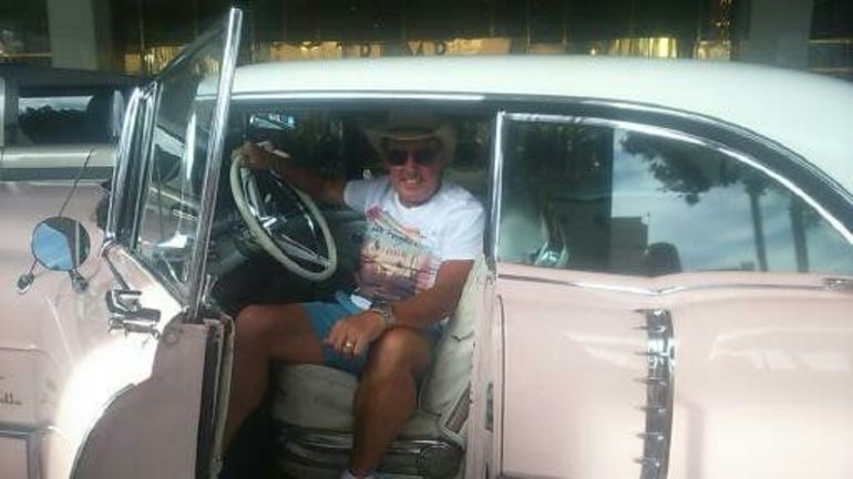 Private Pink Cadillac Tour of Las Vegas with Elvis