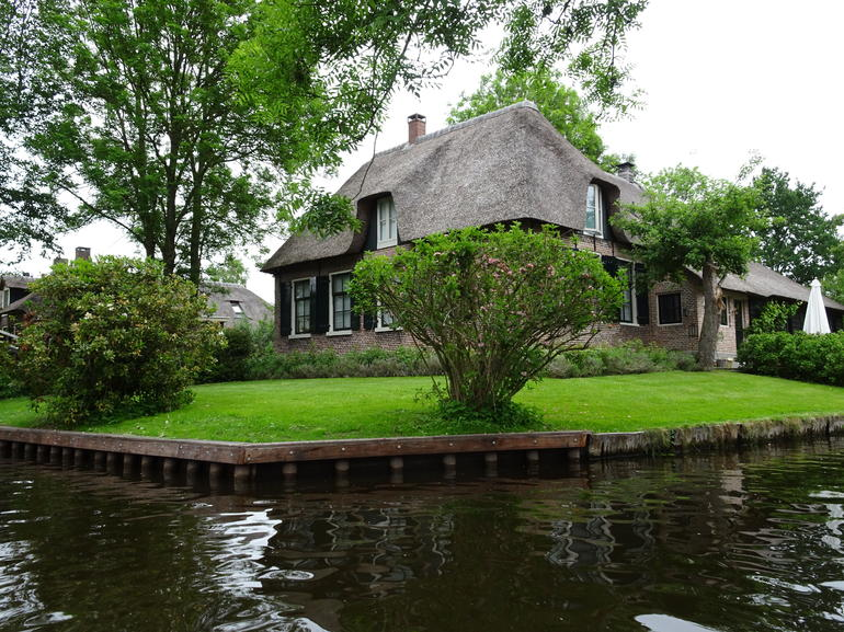 Giethoorn & Enclosing Dike Full-Day Tour from Amsterdam photo 17