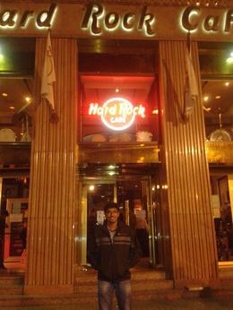 Infront of Hard Rock Cafe Barcelona , jipinjj - November 2012