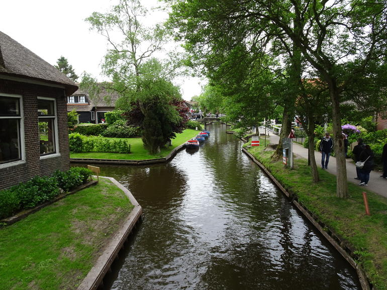 Giethoorn & Enclosing Dike Full-Day Tour from Amsterdam photo 15