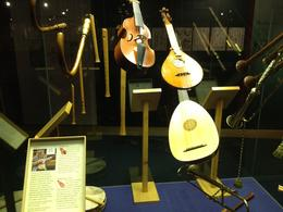 The types of musical instruments that were used at the Globe Theatre, Nick - March 2012