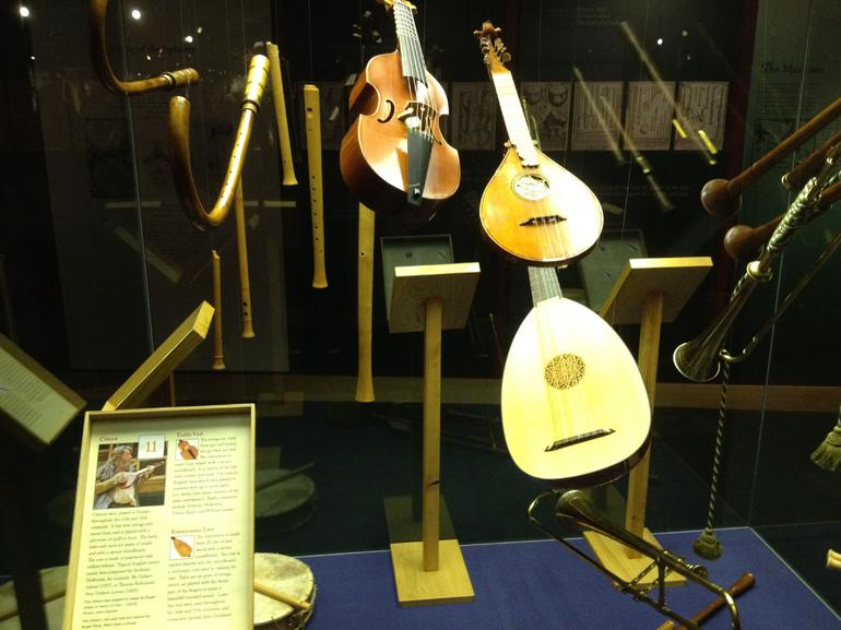 Musical Instruments from the Globe - London