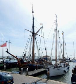 Volendam Harbor , tlbmd - August 2017