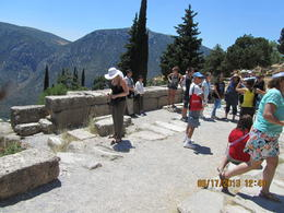 Daphne, using papers for shade, telling us about Delphi. , Victor A - July 2013