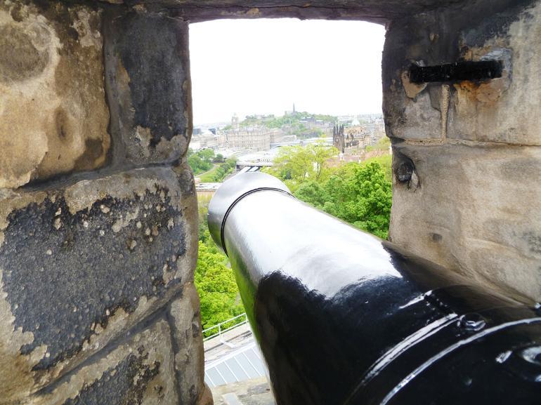 Edinburgh, Edinburgh Castle, Gun Portal - Edinburgh
