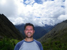 Me with mountains in the background., Rodrigo E - December 2011