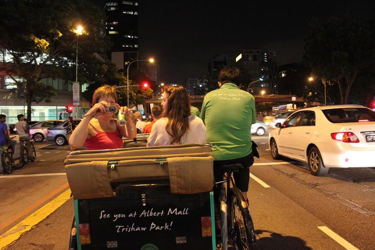 chinatown-en-nocturne-tournee-trishaw