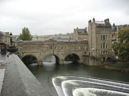 Did you know that just like Florence in Italy, Bath also has a bridge that has shops on it? Very cool. - September 2009