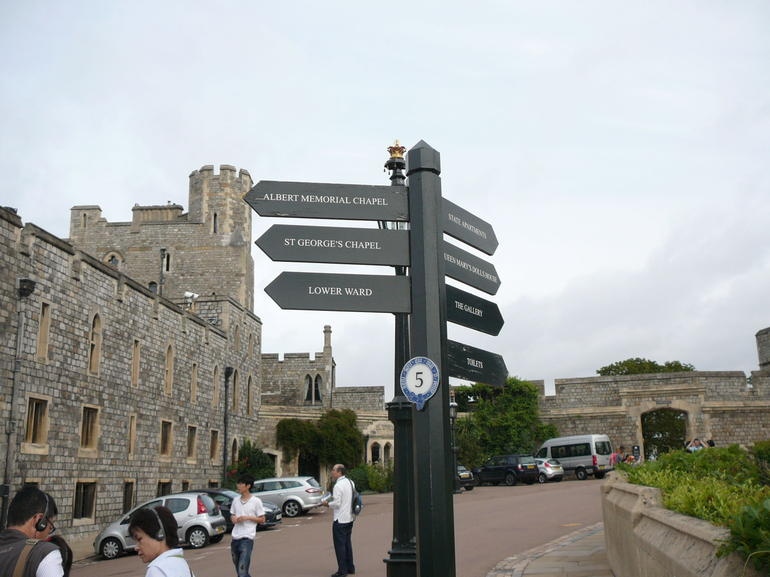 Windsor Castle Tour from London with Lunch photo 17