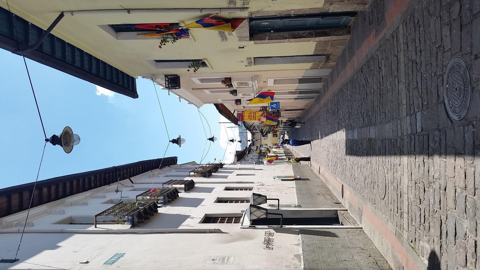 MÁS FOTOS, Transfer desde el Aeropuerto de Quito a su Hotel