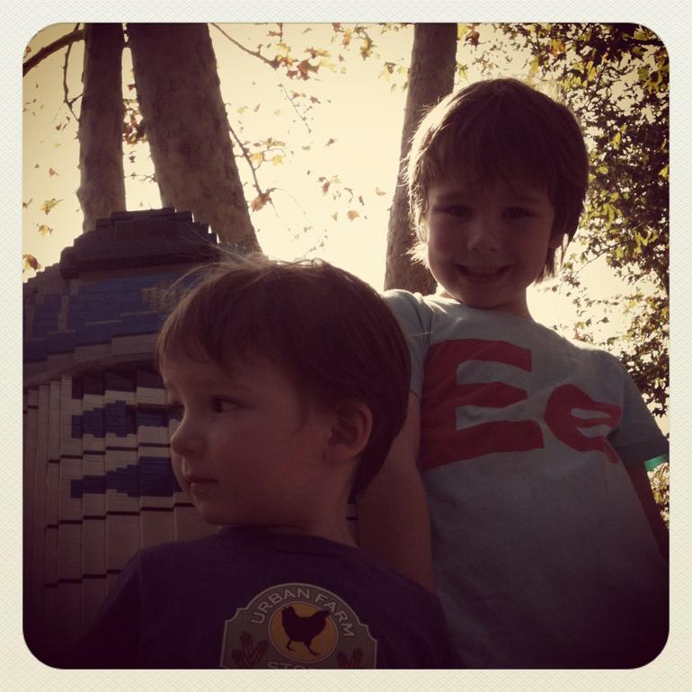 Boys and R2D2 - San Diego